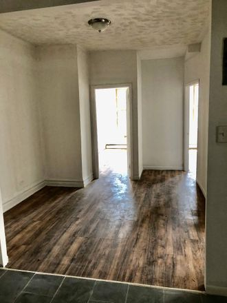 Rent this 3 bed apartment on 3015 Matthews Avenue in New York, NY 10467