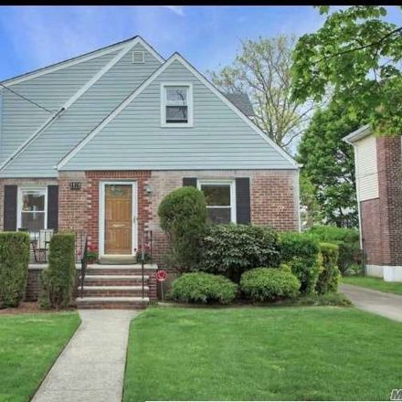 Rent this 4 bed house on Stewart Avenue in Stewart Manor, NY 11040