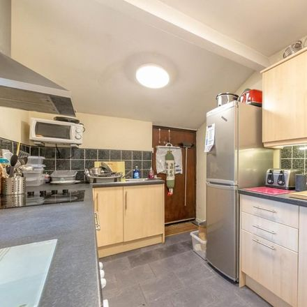 Rent this 5 bed apartment on Mills Pharmacy in Station Road, Newcastle upon Tyne NE3 1QJ