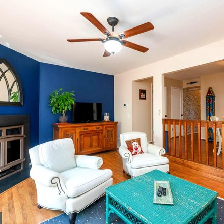 Rent this 3 bed townhouse on 11 Glyer Court in Reisterstown, MD 21136