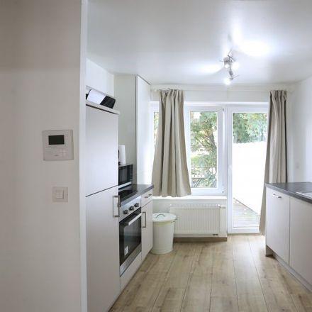 Rent this 2 bed apartment on Rue Ernest Allard - Ernest Allardstraat 25 in 1000 Ville de Bruxelles - Stad Brussel, Belgium