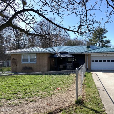 Rent this 3 bed house on Christiana Lake Rd in Edwardsburg, MI