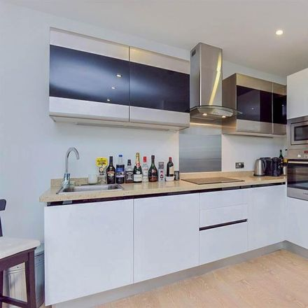 Rent this 2 bed apartment on Island in Wellesley Road, London CR0 2FB