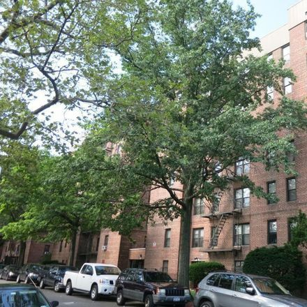 Rent this 2 bed condo on 40 East 43rd Street in New York, NY 11203