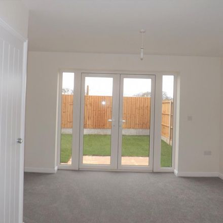 Rent this 2 bed house on Nuneaton and Bedworth CV10 7FA