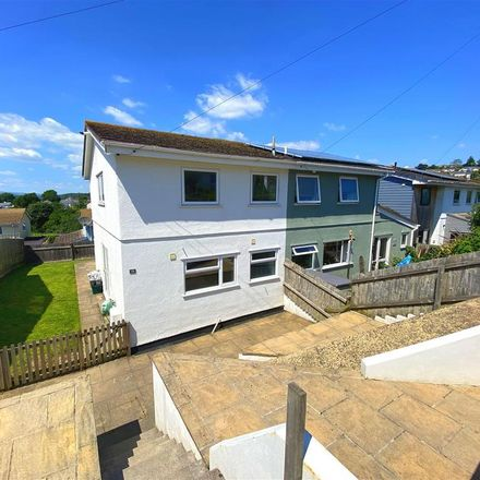 Rent this 3 bed house on Elmhirst Drive in Totnes, TQ9 5UX
