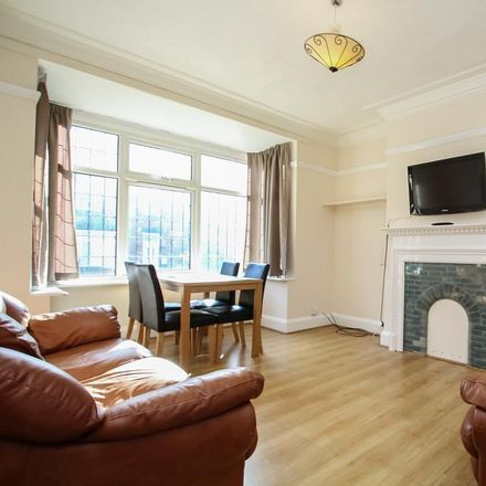 Rent this 5 bed house on Back Headingley Avenue in Leeds LS6 3ET, United Kingdom