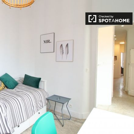 Rent this 2 bed apartment on Clos Saint-Remi in Rue Vandernoot - Vandernootstraat, 1080 Molenbeek-Saint-Jean - Sint-Jans-Molenbeek