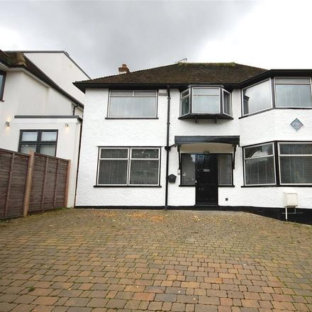 Rent this 4 bed house on Wickliffe Avenue in London N3 3EJ, United Kingdom