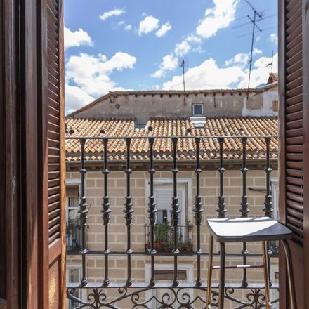Rent this 5 bed apartment on Tattoo Magic in Calle de Colón, 5