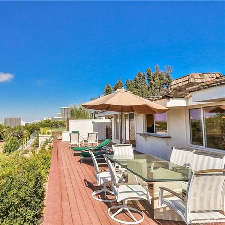 Rent this 4 bed house on 2815 Blue Water Dr in Corona del Mar, CA