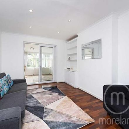 Rent this 5 bed house on The Vale in London NW11 8SJ, United Kingdom