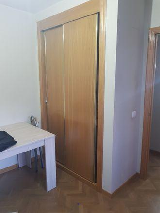 Rent this 2 bed room on Calle Santa María la Blanca in 28921 Alcorcón, Spain