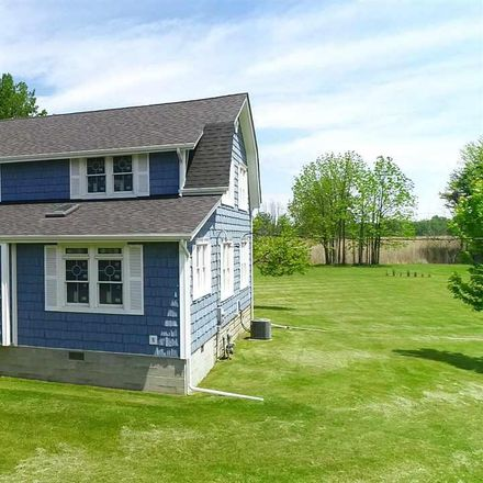 Rent this 4 bed house on la Croix Rd in Harsens Island, MI
