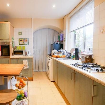 Rent this 3 bed house on King Road in Bristol, BS4 2ND