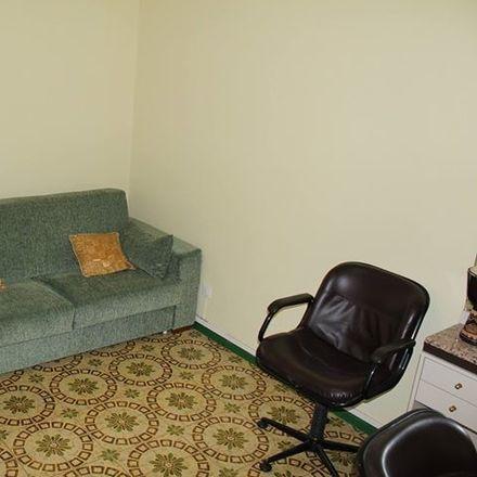 Rent this 3 bed room on Via Gambetta in 95123 Catania CT, Italia