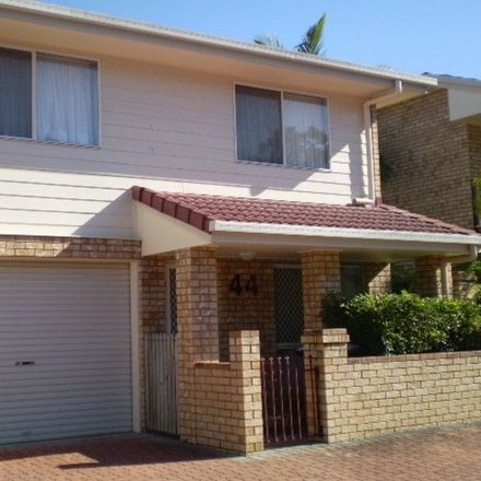 Rent this 2 bed townhouse on 44/88 Kameruka Street