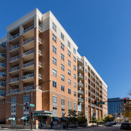 Rent this 2 bed condo on 950 West Monroe Street in Chicago, IL 60607