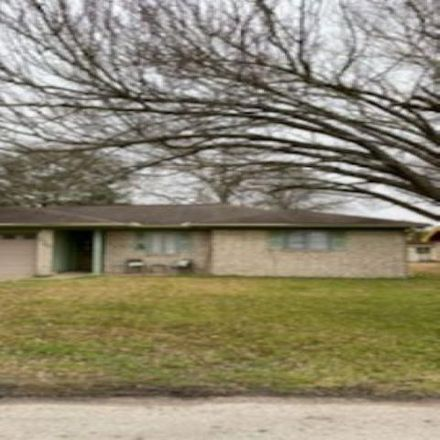 Rent this 3 bed house on 625 East Azalea Street in Orange, TX 77630