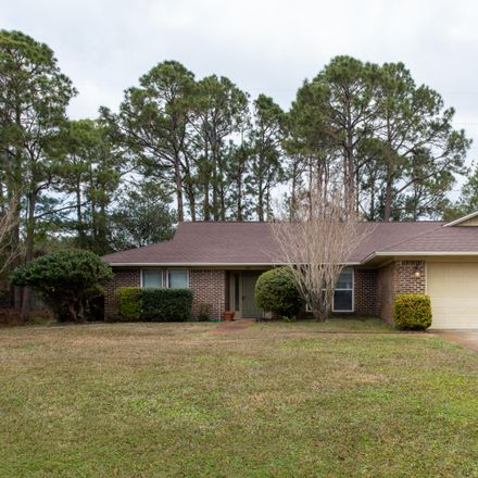 Rent this 3 bed house on Gulf Breeze Pkwy in Gulf Breeze, FL