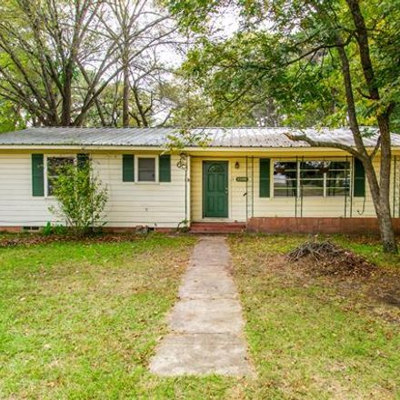 Rent this 3 bed house on N Main St in Overton, TX