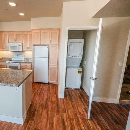 Rent this 2 bed apartment on Hillsdale Shopping Center in 62 29th Avenue, San Mateo
