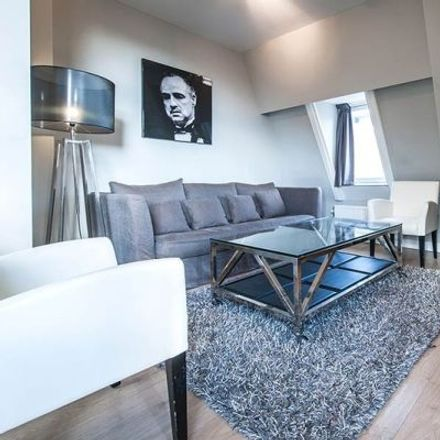 Rent this 4 bed apartment on Jan Luijkenstraat 22-H in 1071 CN Amsterdam, The Netherlands
