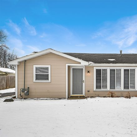 Rent this 3 bed house on 803 W Windsor Ave in Crete, IL