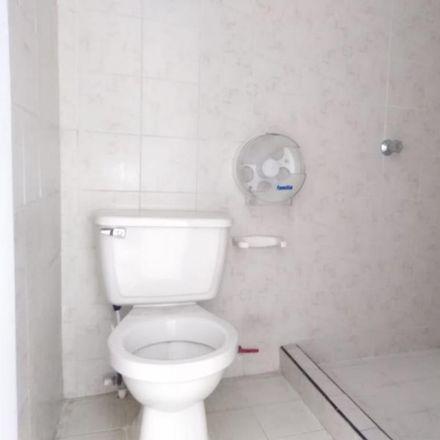 Rent this 3 bed apartment on Parada MIO - Carrera 42 entre Calle 5 y 5A in Carrera 42, Comuna 19