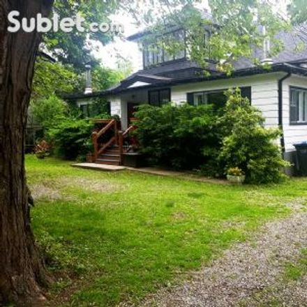 Rent this 3 bed house on 25 Peter Street South in Mississauga, ON L5H 1E9