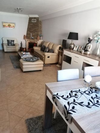 Rent this 1 bed room on 1685-605 Casal de Cambra