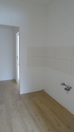 Rent this 3 bed apartment on Webergasse 1 in 08451 Crimmitschau, Germany