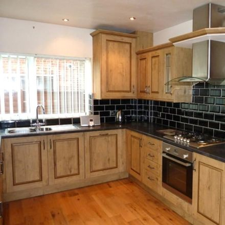 Rent this 3 bed house on Millfield Science & Performing Arts College in Belvedere Road, Wyre FY5 5DG