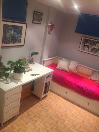 Rent this 4 bed room on Calle de Gabriel Celaya in 28822 Coslada, Madrid