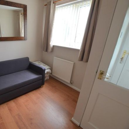 Rent this 3 bed house on Oakfield Park in Prudhoe NE42 5QB, United Kingdom