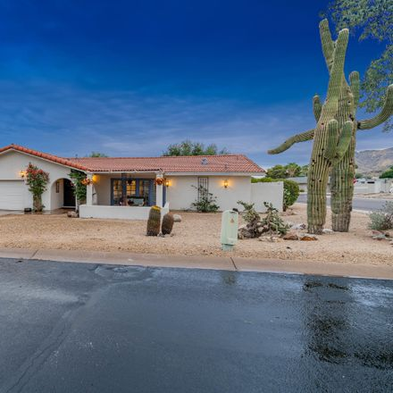 Rent this 3 bed house on 9201 North Concho Lane in Phoenix, AZ 85028