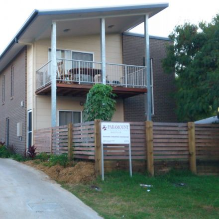 Rent this 3 bed apartment on 1/22 Denman Street