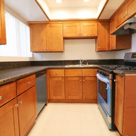 Rent this 1 bed room on 411 Palm Drive in Glendale, CA 91202