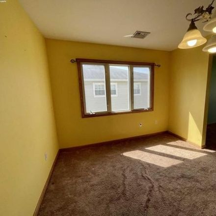 Rent this 3 bed house on 17 Haines Avenue in Clifton, NJ 07011