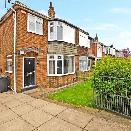 Rent this 3 bed house on Springfield Lane in Leeds LS27 9PG, United Kingdom