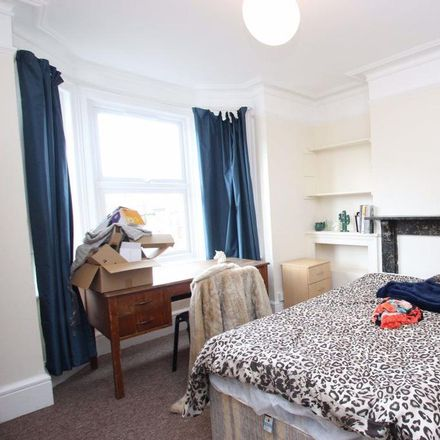 Rent this 4 bed house on 54 Bullingdon Road in Oxford OX4 1QQ, United Kingdom