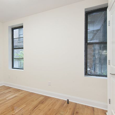 Rent this 3 bed apartment on 115 West 104th Street in New York, NY 10025
