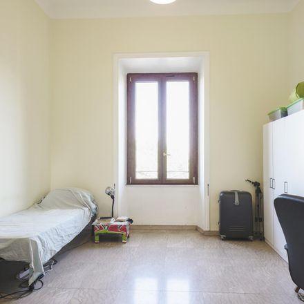 Rent this 6 bed room on M.a.S. in Via dello Statuto, 11