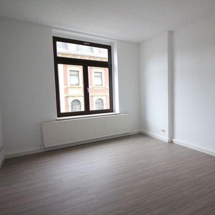 Rent this 3 bed apartment on Landratsamt Erzgebirgskreis in Wettinerstraße 61, 08280 Aue-Bad Schlema
