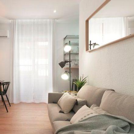 Rent this 2 bed apartment on Falla Plaça de la Reina in Pau i Sant Vicent - Tio Pep, Carrer de Santa Irene