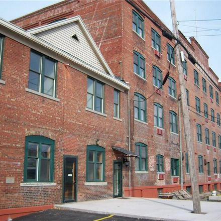 Rent this 1 bed apartment on Hiawatha Blvd E in Syracuse, NY