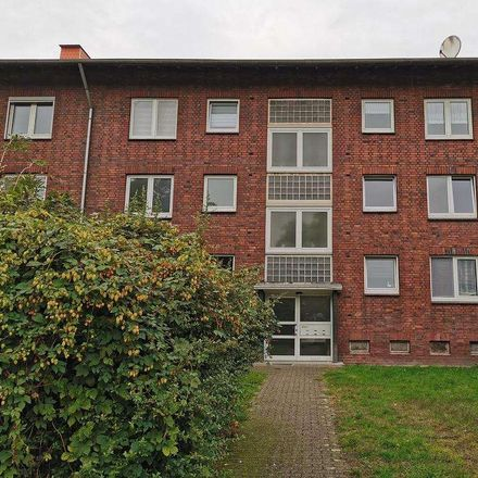 Rent this 3 bed apartment on Teplitzer Straße 27 in 45899 Gelsenkirchen, Germany