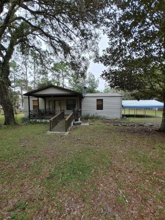 Rent this 3 bed apartment on 26419 Richbarn Road in Brooksville, FL 34601
