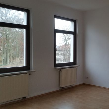 Rent this 3 bed apartment on Sonnenstraße 7 in 08371 Glauchau, Germany