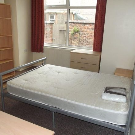 Rent this 5 bed room on Holbeck Grove in Manchester M14 5GA, United Kingdom